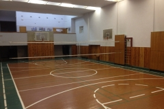Секції баскетболу та бадмінтону проводять заняття в спортивному залі геологічного факультету за адресою: вул. Васильківська, 90